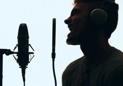 آواز خواندن